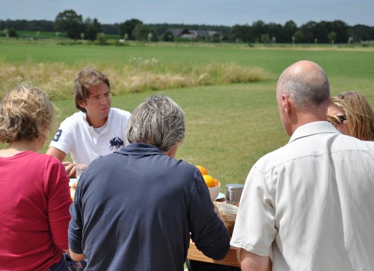 Team Holt& Berg: lunch tijdens werksessie bij Jeroen van Westen