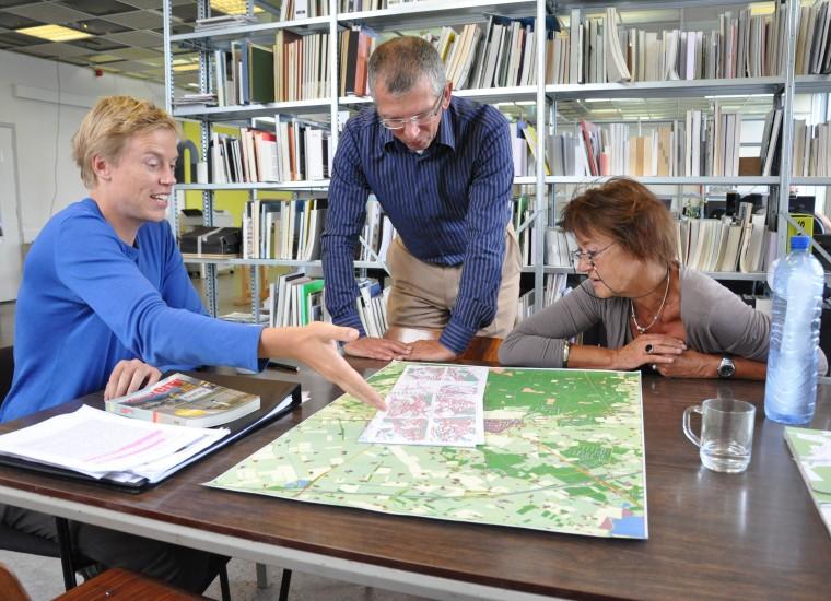 Team Holten Springs: Peter veenstra in gesprek met Sjoerd Cusveller en Irene Bakker