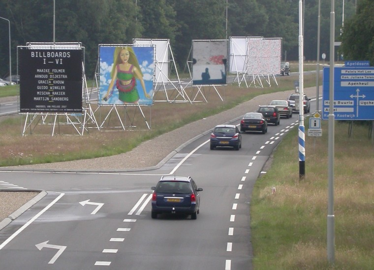 Billboards langs de Europaweg in Apeldoorn